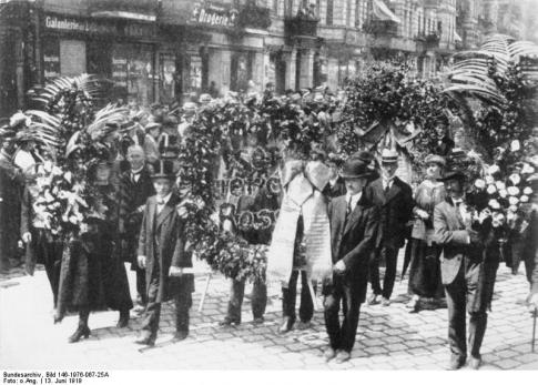 Rosa-Luxemburgs-funeral