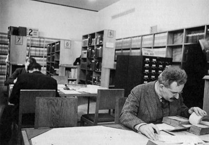 enjamin-working-in-the-Bibliothèque-National-1939